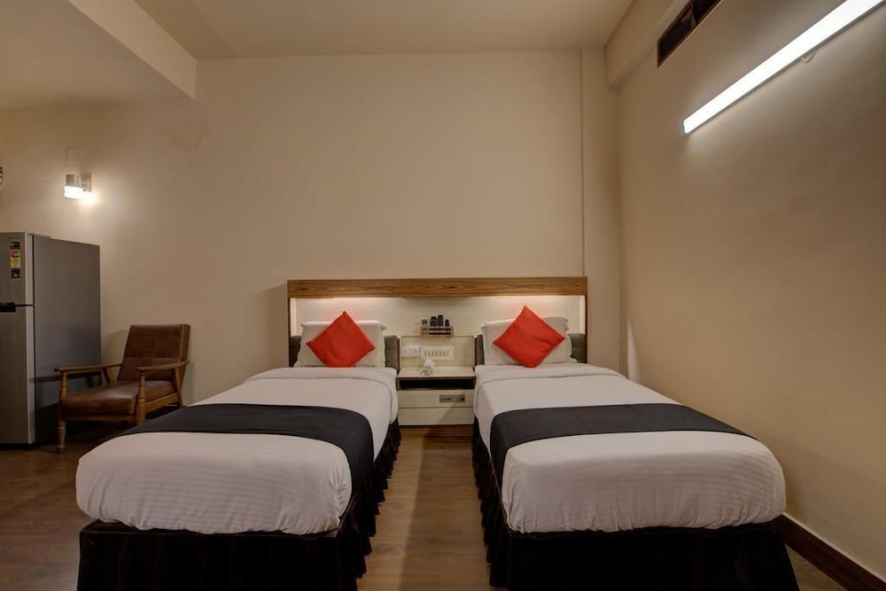 Room, HOTEL BLUE DIAMOND BOKARO