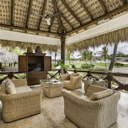 Caleton Beach Villa #5 by Palmera Villas
