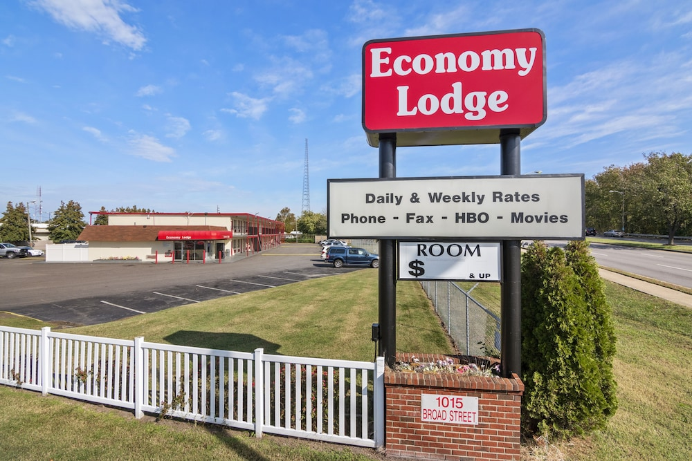 Featured Image, Economy Lodge