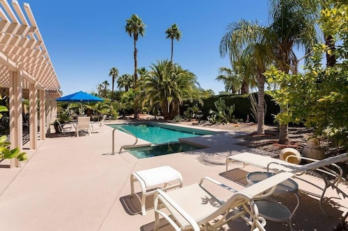 Tropical Retreat - Sleeps 18 - Close to the Strip - Ask About Special Discount!