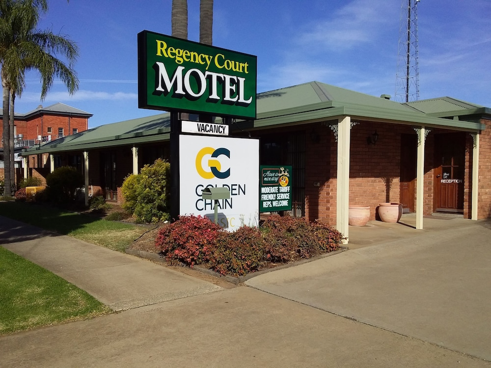 Regency Court Motel