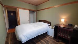 記憶棉床墊、房內夾萬、設計自成一格、家具佈置各有特色