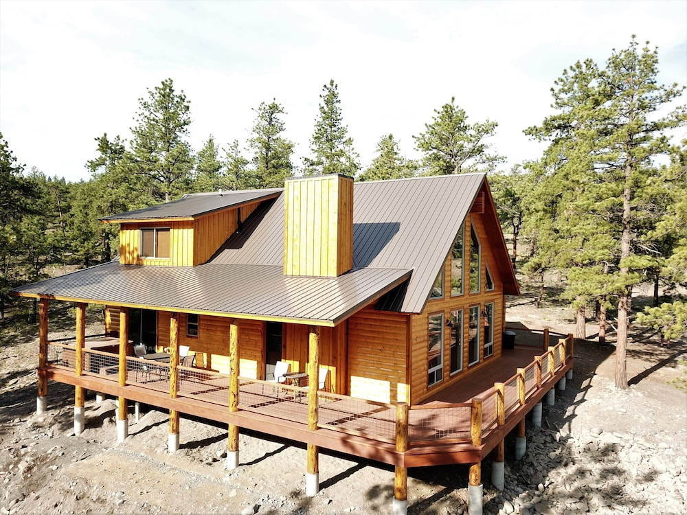 Featured Image, The Timberwolf: Brand NEW Cabin Borders the National Forest