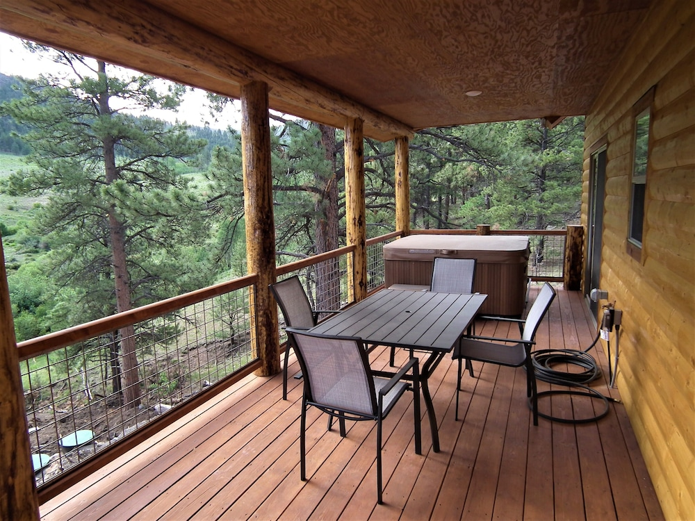 Balcony, The Timberwolf: Brand NEW Cabin Borders the National Forest