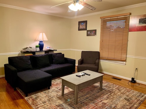 Lux 4BR House -mins to Washingdc-parking-long Term