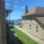 Ocean View Studio in Capitola Village - Location!