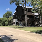 Windmill Springs In Gruene With River View! Walking Distance From Gruene Hall!