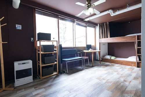 New 6 People Room / 15 Minutes Walk From Sapporo Station / Wifi / Washing Machine / Dryer / Rental car 5 People or 10 Seater Cheap