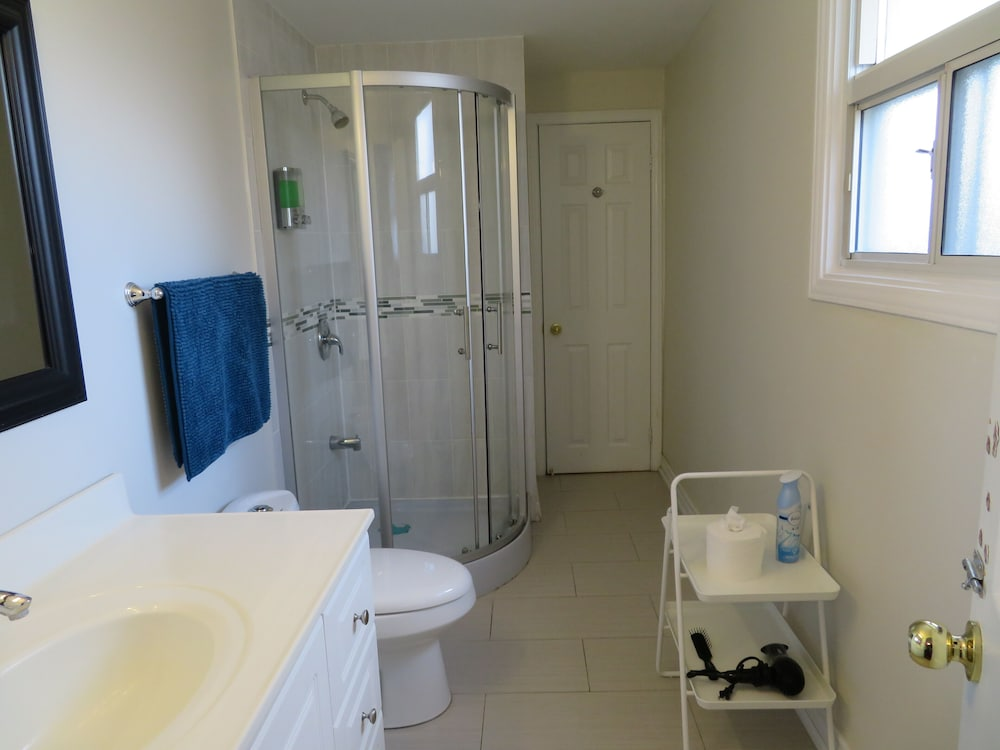 Bathroom, ★★★★★ Spacious Room 1♚Qn-Bed✚Shared Ensuite-Beryl