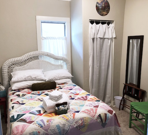 Guest Room With Full bed and Breakfast in the Crooked House Gentry AR