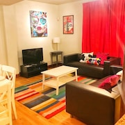 Big 3 Bedr/ 2 Bath1/2 Duplex_ Backyard_ Washer/dryer_sleeps 8_15 min to NYC