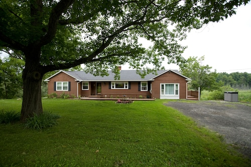Lovely Ranch Home Getaway in Berkshire County