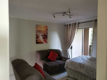 Affordable Self Catering Accommodation In Bellville Cape Town Cental Located Cape Town Room Prices Reviews Travelocity