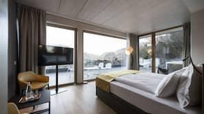 Daunenbettdecken, Minibar, Zimmersafe, laptopgeeigneter Arbeitsplatz