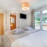 Llyn Conwy Lodge - Three Bedroom House, Sleeps 6