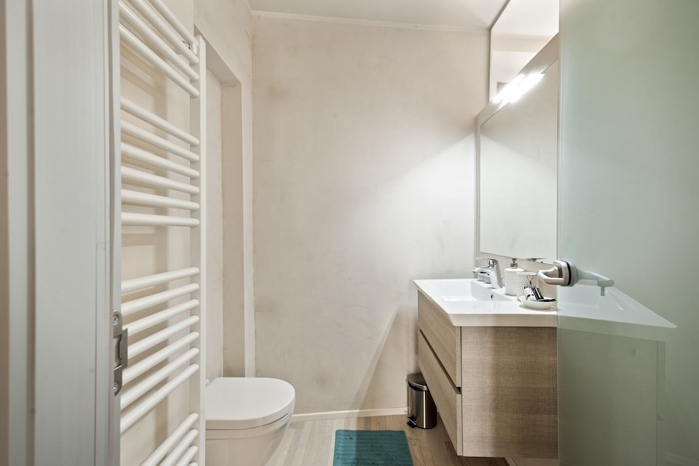 Bathroom, Stylish Downtown Apartment ON Brera Rooftops