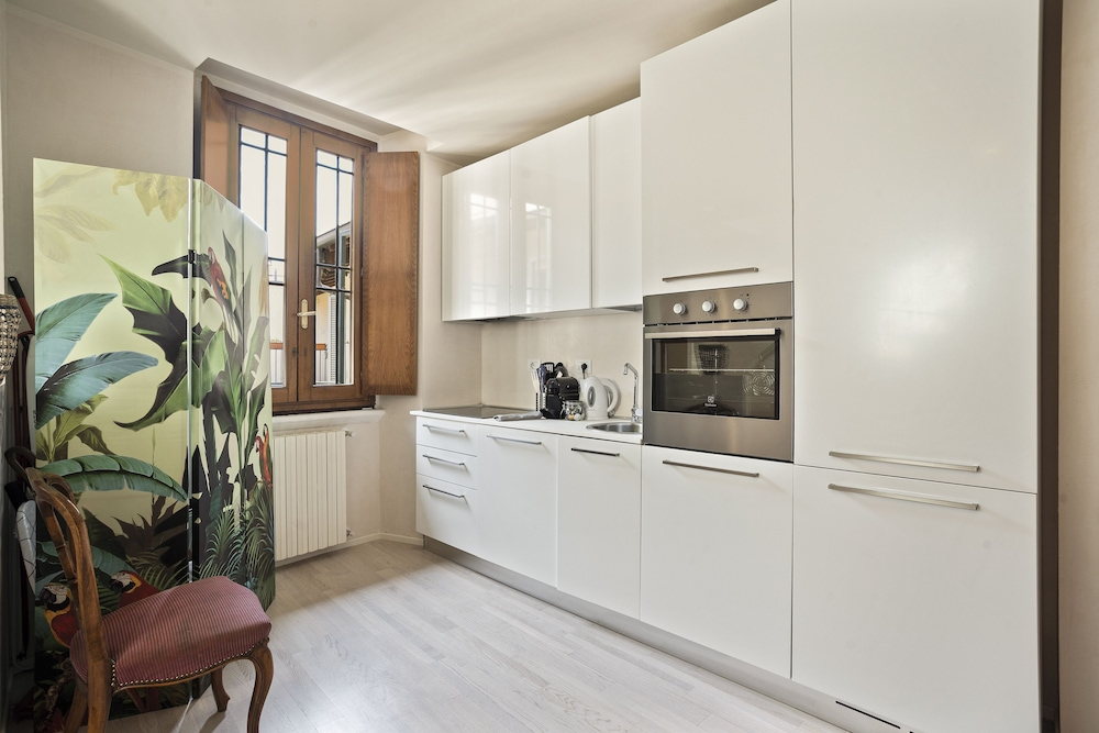 Private Kitchen, Stylish Downtown Apartment ON Brera Rooftops