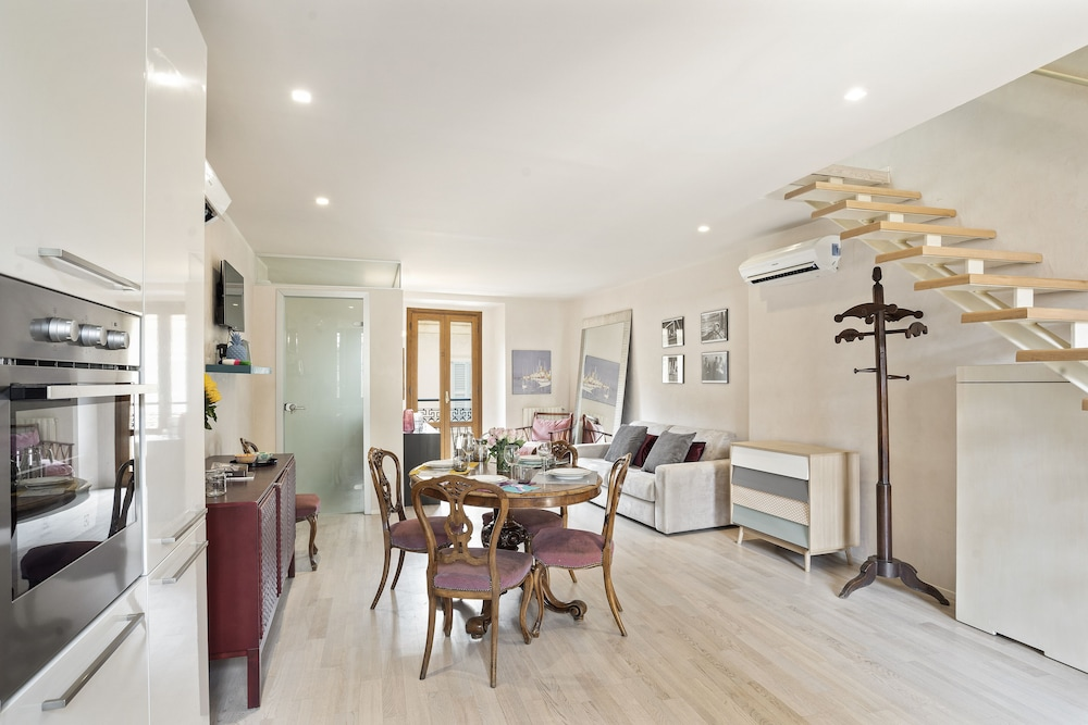, Stylish Downtown Apartment ON Brera Rooftops