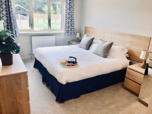 Trinity Lodge, Waterside Lodges Cambridge
