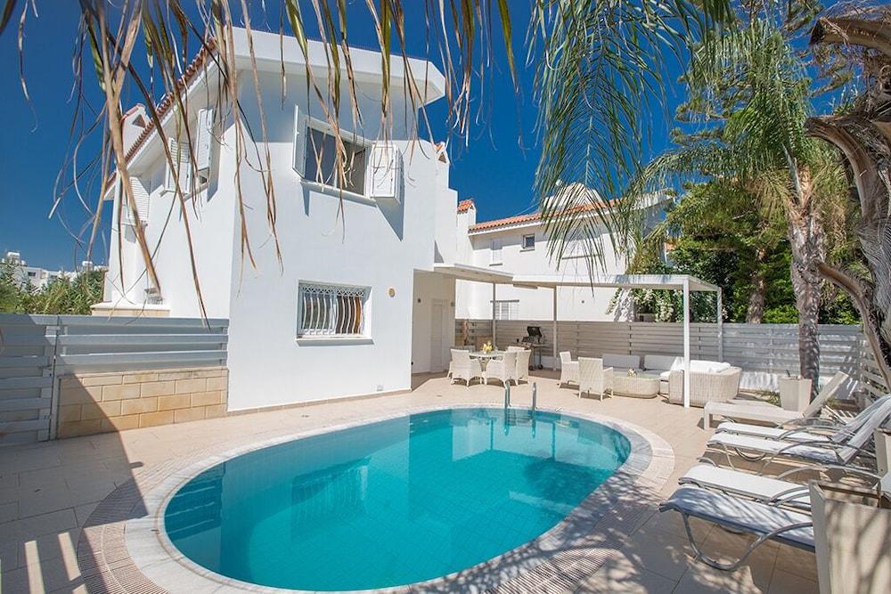Discount 70% Off Villa Electra Stunning 4bdr Protaras ...