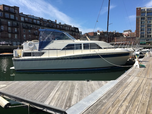 Boston's Bed & Breakfast Afloat and Charter