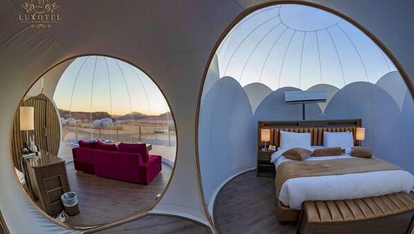 20 bedrooms, Internet