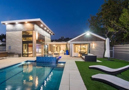 Modern Home in the Heart of Brentwood