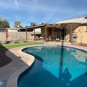 Modern 3-bed 2-bath w/ Pool - Right Between Old Town Scottsdale & Tempe