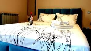1 bedroom, iron/ironing board, WiFi