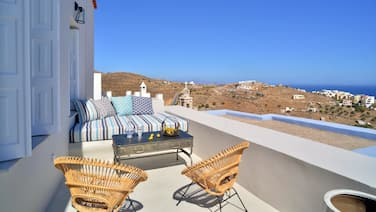 Apartment With 3 Bedrooms in Ano Syros, With Wonderful sea View, Terrace and Wifi