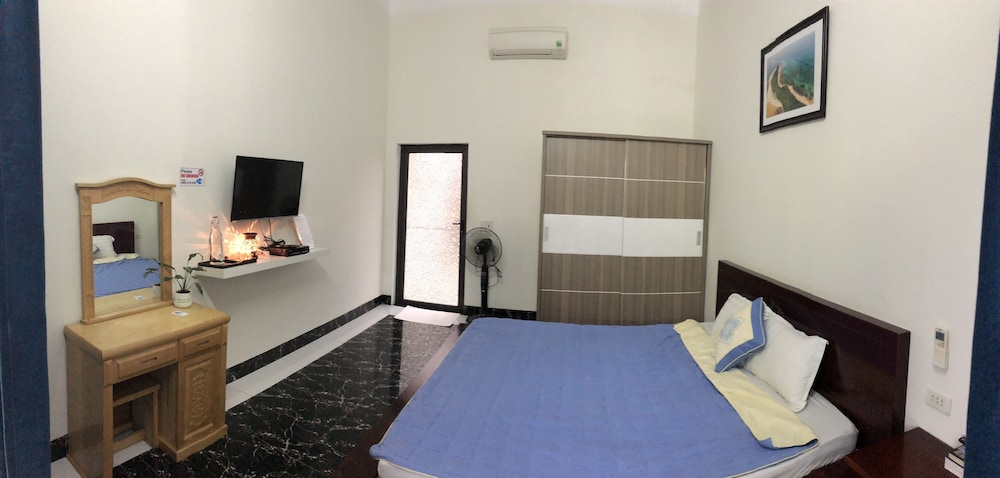 Room, Co To Center Homestay