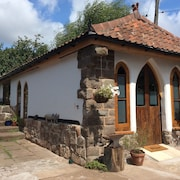 The Hideaway - Charming Cottage Less Than 4 Miles From Bristol City Centre