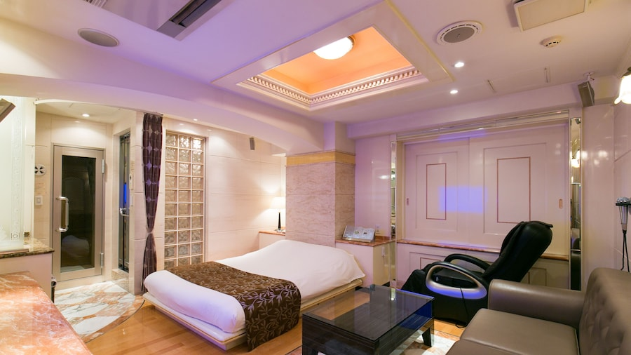 HOTEL D-WAVE Shinjuku - Adult Only