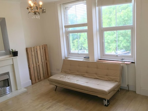 1-bed Apartment-crystal Palace