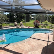 Beautiful, Newly Renovated Pool-villa in a Gated Community