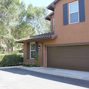 Beautiful Resort-like 3 Bedroom / 3 Bathroom Irvine Quail Hill Condo!