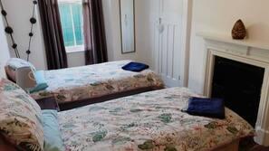 3 bedrooms, iron/ironing board, Internet, linens