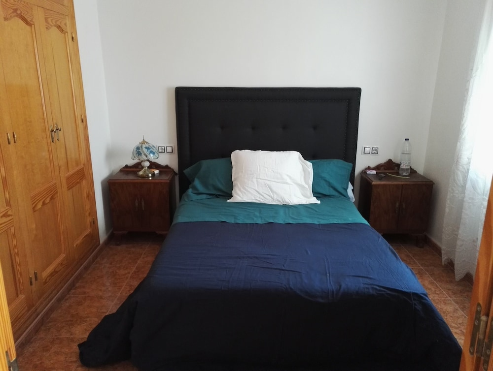 Room, Large Quiet House With Private Pool 12 km From the Family Ideal sea