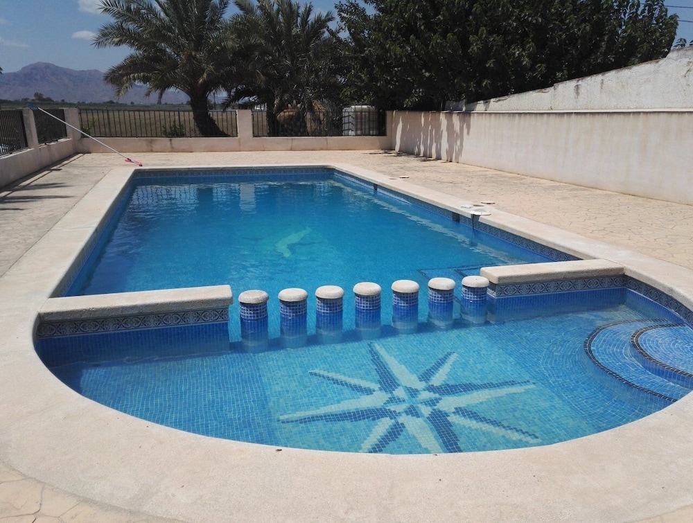 Pool, Large Quiet House With Private Pool 12 km From the Family Ideal sea