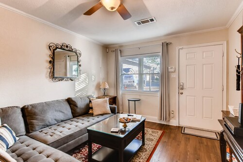 Peppera -charming In Historic Grapevine, A Block From The Center Of Main St