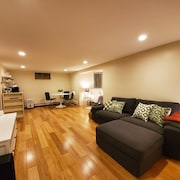 Private Basement Suite in Mplss Arts District