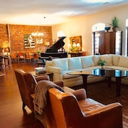 Beautiful Loft Apt & Event Space W/40ft Balcony in the Heart of Downtown