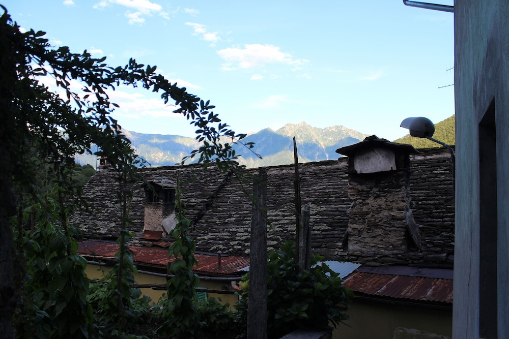 Balcony, Beautifully Renovated Traditional Alpine House With Stunning Mountain Views
