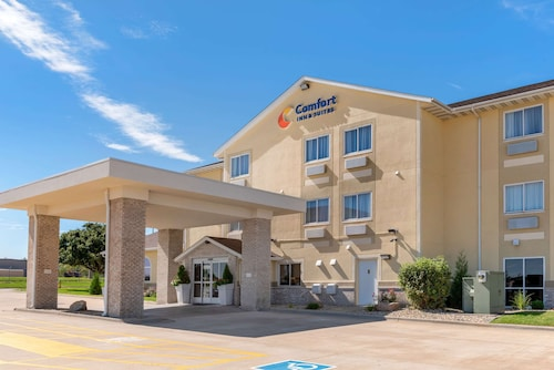 Comfort Inn & Suites near Route 66