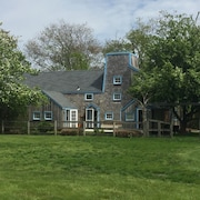 Charming Historic Wind Mill , Lovely Landscaped Grounds - 6 Acres W/pool/spa