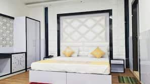 特色家居、笔记本电脑工作区、免费 WiFi、床单