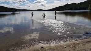 På stranden og strandhåndklær