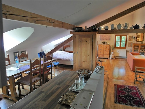 Cozy, Spacious Attic Studio, Only 24 KM From Munich Center