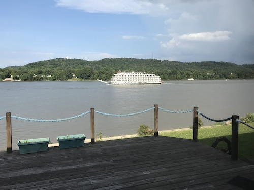 House With Private Boat Dock and Beautiful Scenic View on the Ohio River