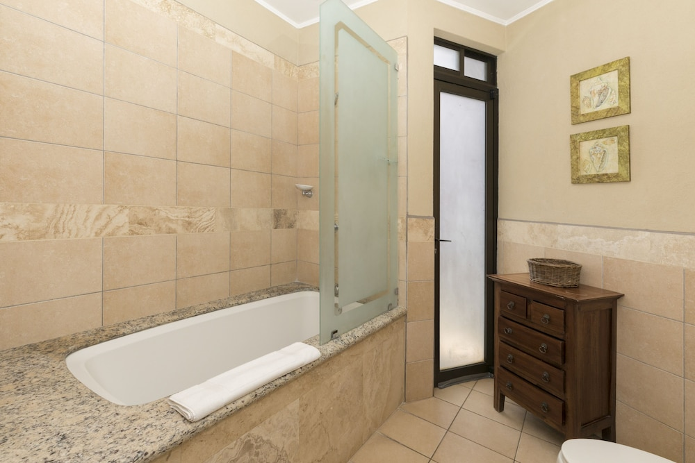 Jetted Tub, Ocean View Luxury Condo Reserva Conchal A12